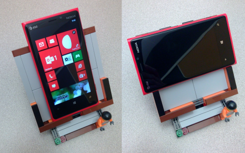 Lumia 920 Lego Easel in portrait and landscape
